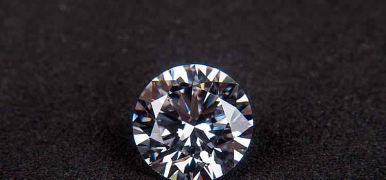 Darujete diamantové šperky? A viete, čo diamant symbolizuje?