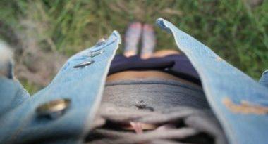 Džínsové vesty doladí každý strih šiat