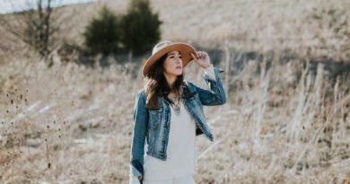 Jednoduché oblečenie prináša väčší úspěch
