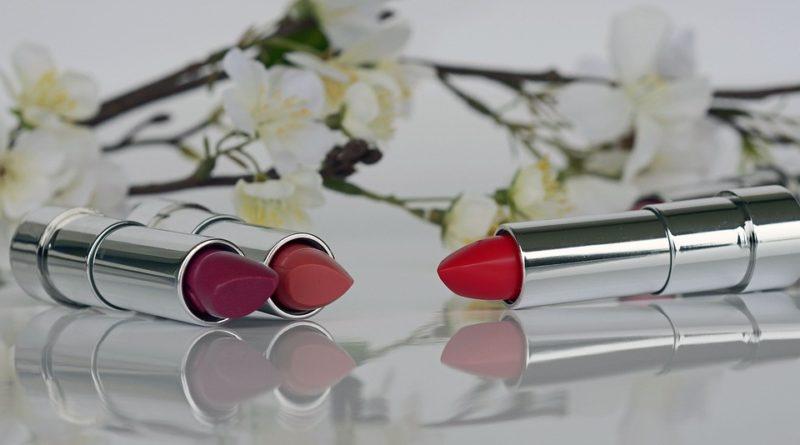Rúže, ktoré na perách vydrží po celý deň. Máte ich už vo svojej zbierke?