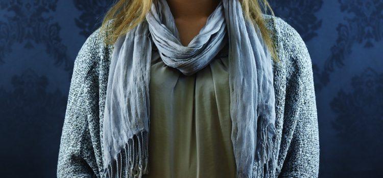 šátek chrání krk