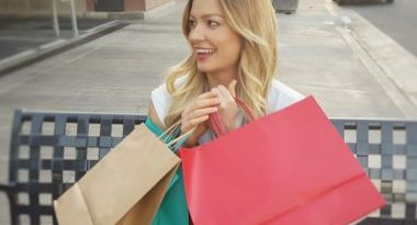 Ženy nakupujú. Akým konkrétnym kúskom teraz podliehajú?
